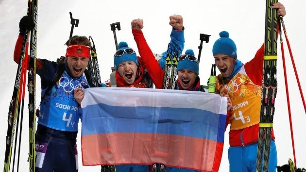 Medalla de oro para Rusia en biatlón