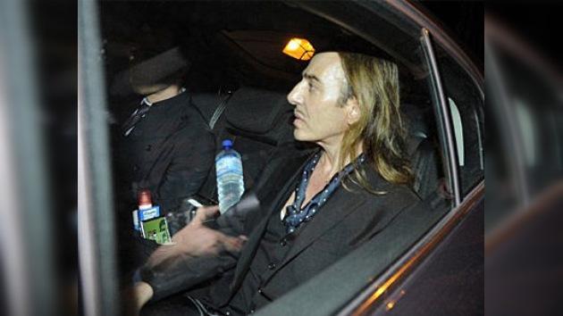 Galliano pide disculpas en su 'desfile' ante el tribunal