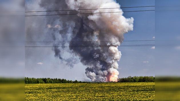 Un fuerte incendio obliga a evacuar a 2.500 personas en los Urales