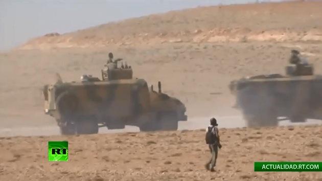 VIDEO: Policía dispara gases lacrimógenos contra activistas en la frontera turco-siria