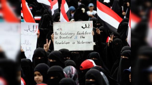 Miles de mujeres en Yemen marchan pidiendo la renuncia de Saleh