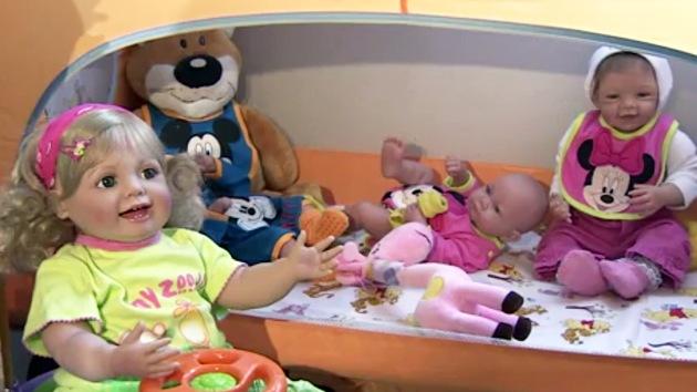 Felicidad de silicona: muñecas bebés ultrarrealistas ganan popularidad en Rusia