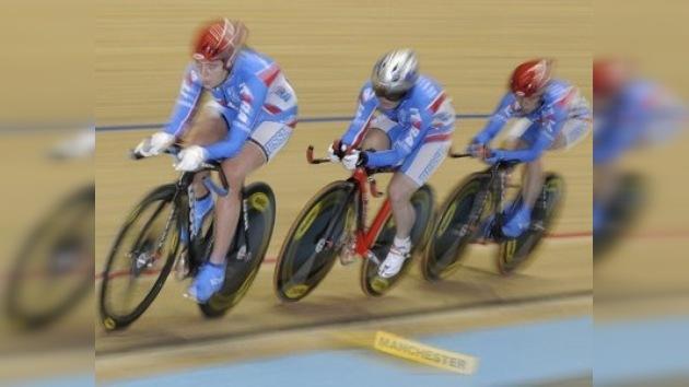Una rusa sube al trono mundial del ciclismo en pista siete años después
