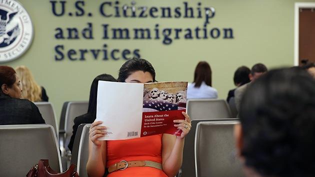 EE.UU.: Legalizar inmigrantes reducirá el déficit estatal en 900.000 millones de dólares