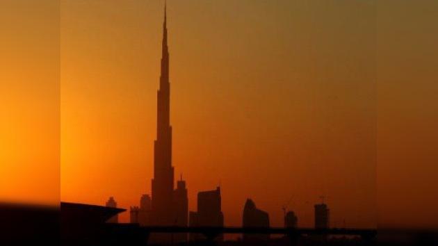 Un hombre se suicida desde el edificio más alto del mundo
