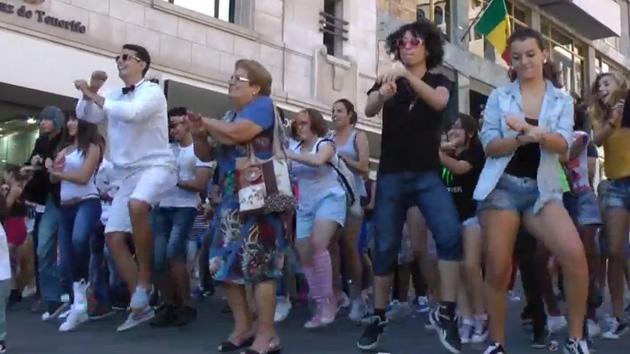 Video: Desempleados españoles bailan al ritmo del 'Gangnam Style'