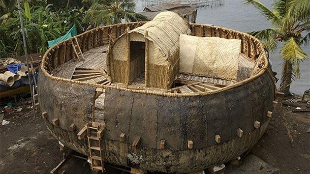 FOTOS: Construyen una réplica del Arca de Noé según una tablilla babilónica
