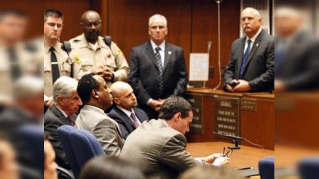 Condenan a cuatro años de cárcel al médico de Michael Jackson