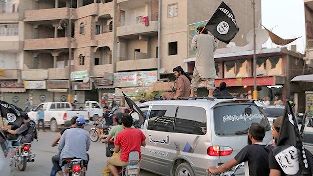 """""""El Estado Islámico podría obtener 100 millones de dólares al mes con el crudo"""""""