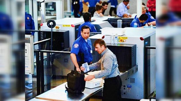 Detienen a cuatro supervisores del aeropuerto de Los Ángeles por tráfico de drogas