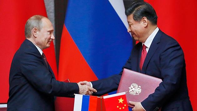 """Opinión: Los ejercicios ruso-chinos impiden a EE.UU. """"regir los destinos del mundo"""""""