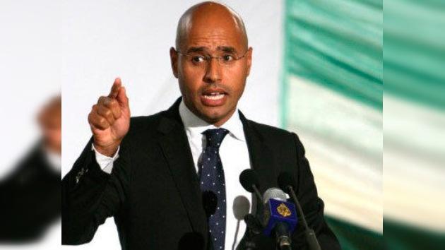 El hijo de Gaddafi desmiente negociaciones sobre su entrega a La Haya