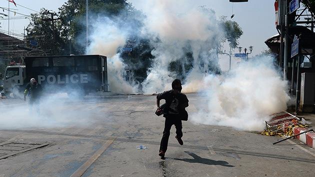 Crisis en Tailandia: La oposición da 2 días al Gobierno para dimitir y sigue protestando