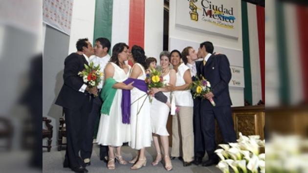 Matrimonios gay contraídos en México D.F. son reconocidos en todo el país