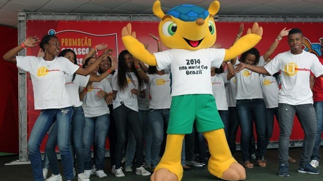 La FIFA rechaza cambiar nombre de mascota del Mundial 2014 pese al descontento