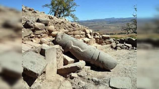 En México hallan escultura prehispánica de un jugador de pelota