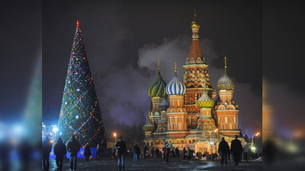 Rusos esperan la llegada del Año Nuevo con más optimismo