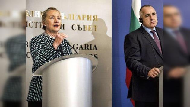 Clinton insta a Bulgaria a superar la dependencia energética de Rusia
