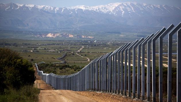 Israel levanta un muro en la frontera con Siria y lo somete a pruebas antimisil