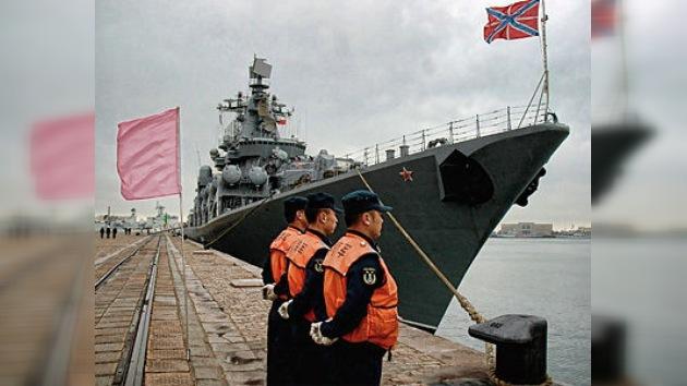Rusia y China realizan maniobras navales