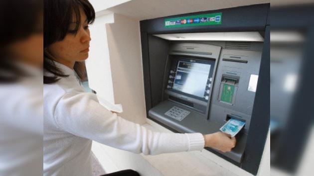 Beneficio neto de uno de los bancos más grandes en Rusia se redujo 9 veces