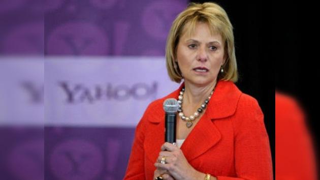 Yahoo reestructura su directiva despidiendo a su consejera delegada