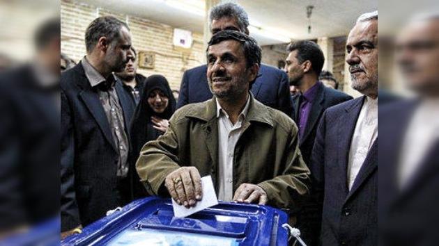 Los partidarios de Ahmadineyad ceden posiciones en el Parlamento iraní