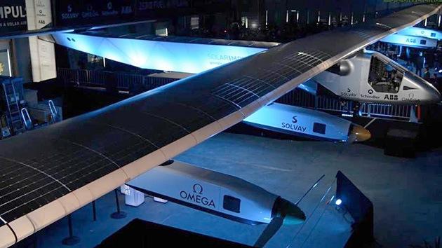Video, Fotos: Presentan el avión solar que hará un viaje alrededor del mundo