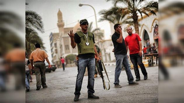 La OTAN bombardea Trípoli mientras medio mundo discute posibles planes de guerra y paz