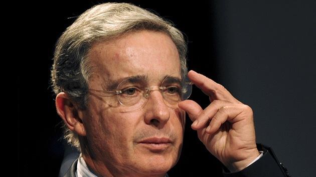 Desactivan una bomba en un teatro de Buenos Aires antes de un discurso de Álvaro Uribe