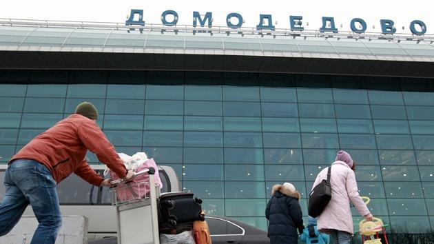 Hallan una bomba cerca del aeropuerto de Domodédovo de Moscú
