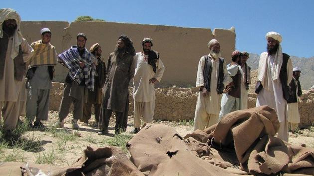 Aviones de la OTAN matan a 15 civiles en una mezquita afgana