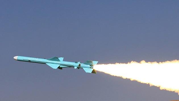 Irán fabrica un nuevo misil de crucero tierra-tierra