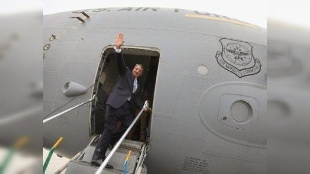 EE. UU. tira la casa por la 'ventanilla': un millón de dólares por vuelos de Panetta