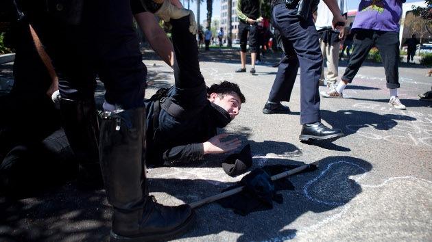FOTOS, VIDEO: Arrestos en California por manifestarse contra la crueldad policial