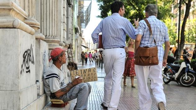 Trabajar y no cobrar, cada vez más habitual para los griegos