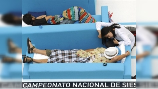 Un ecuatoriano gana el campeonato de siesta en España