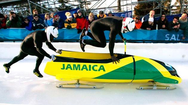 El equipo jamaiquino de bobsleigh pierde parte de su trineo de camino a Sochi