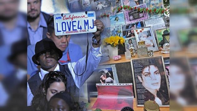 Rinden tributos a un año de la muerte de Michael Jackson