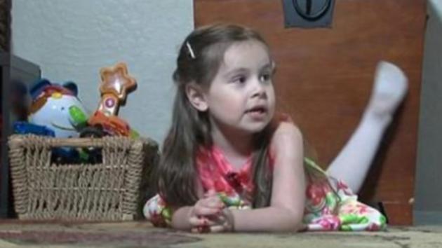 Una niña de 3 años tiene el mismo CI que Einstein y aprendió español con un iPad