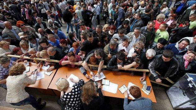 Así celebran Lugansk y Donetsk su referéndum sobre la independencia