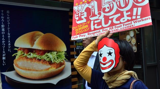 Huelga mundial de trabajadores de cadenas de comida rápida