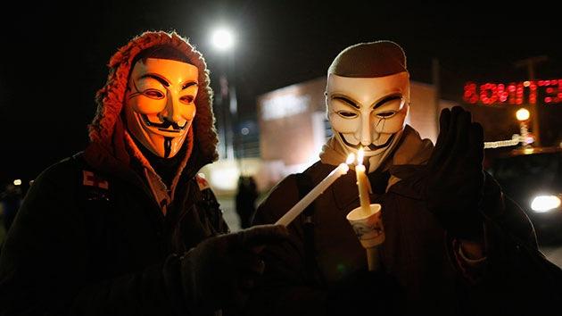 Ferguson: Anonymous publica datos personales de los líderes del Ku Klux Klan