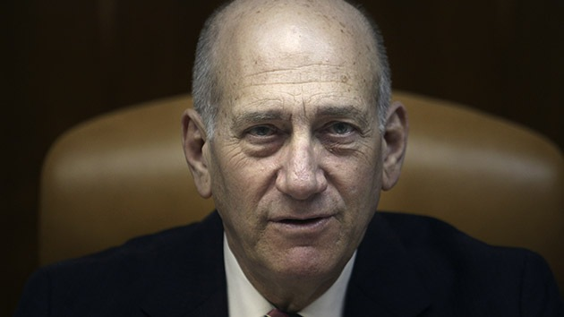 Ex primer ministro israelí sentenciado a condena condicional por escándalo de corrupción