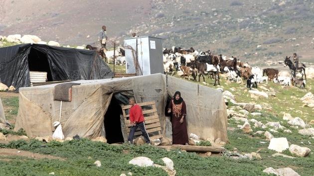 Israel desaloja a unos 500 beduinos palestinos por unos ejercicios militares