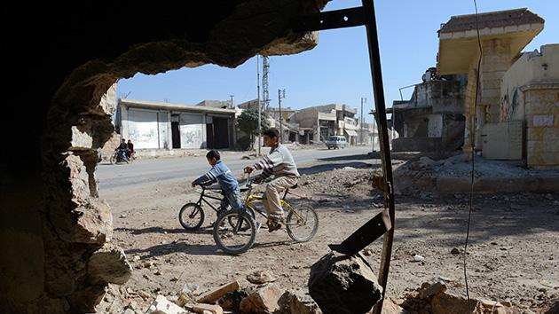 Decenas de niños muertos en un ataque rebelde a una escuela siria