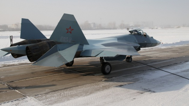 Sukhoi desarrollará cazabombarderos T-50 (PAK-FA) biplaza para exportación