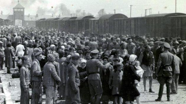 30 exguardias de Auschwitz pueden ser juzgados por crímenes de guerra