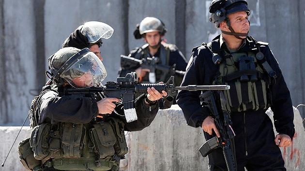 Un niño palestino pierde la visión a causa de disparos de las fuerzas israelíes