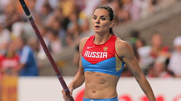 """Isinbáyeva dice que fue """"malinterpretada"""" y se opone a la discriminación 'gay'"""